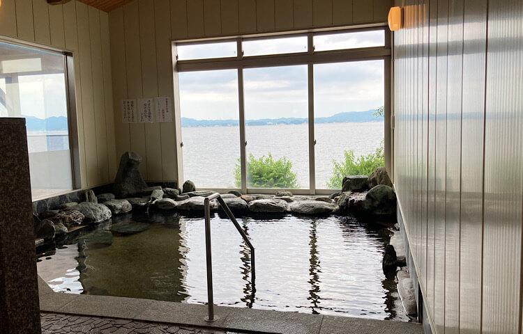 玉造国際ホテルの女湯の写真。おもむきがあります。